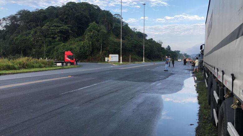 Caminhoneiros seguem com dois pontos de bloqueio em rodovias de SC - Crédito: Ricardo Rabuske