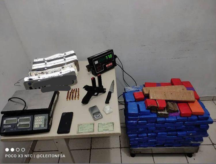 Blitz em Massaranduba resulta na apreensão de 77kg de maconha em Araquari - Crédito: Divulgação 14 BPM