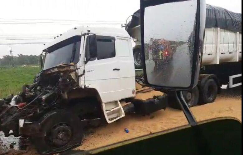Acidente em Araquari causa lentidão no trânsito na BR-280 - Crédito: Divulgação redes sociais