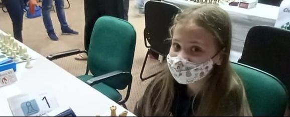 Jaraguaense Nicole Nunes é campeã brasileira de xadrez - Crédito: Divulgação