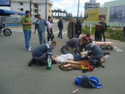Motociclista se fere em acidente na Vila Nova