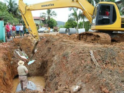 Infraestrutura recupera tubulação em Guaramirim