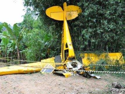 Piloto sobrevive a queda de avião agrícola em Corupá