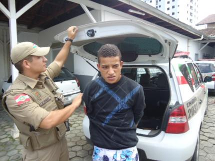 Polícia prende autor de homicídio na Estrada Nova