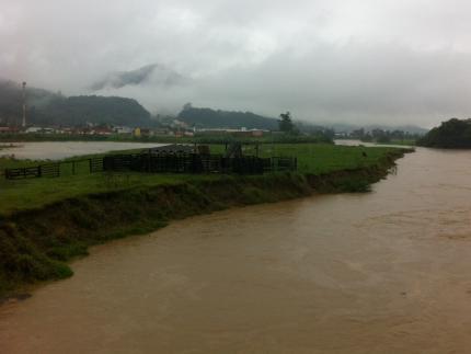 Defesa Civil avalia atendimentos por causa da chuva