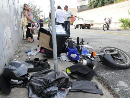 Motoboy fica gravemente ferido em acidente no centro