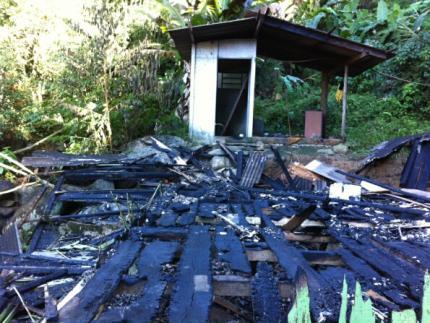 Casas são queimadas no bairro Vieira