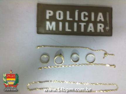 Acusado por furto é detido tentando vender jóias no centro de Jaraguá do Sul
