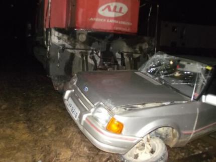 Carro é arrastado 150 metros pelo trem em Guaramirim