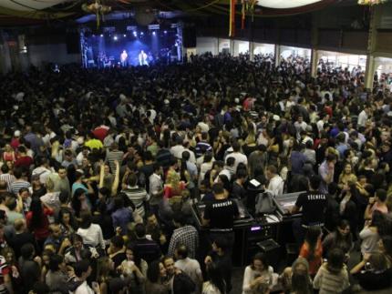 Mais de 12 mil pessoas no show de aniversário da cidade
