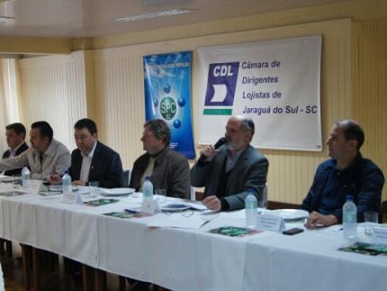 Secretário Regional participa de plenária da CDL