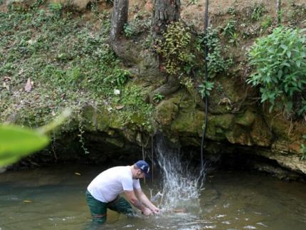 Defesa Civil implanta sensor de nível de rio no Molha