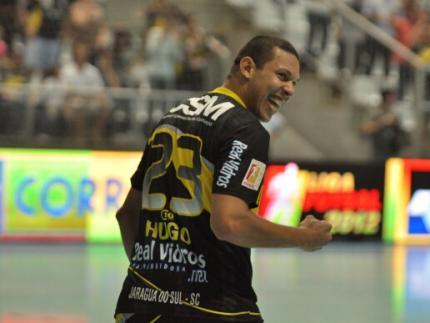 Deu CSM no clássico contra o Carlos Barbosa pela Liga Futsal