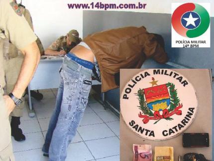 Dois são detidos com drogas no centro de Jaraguá do Sul