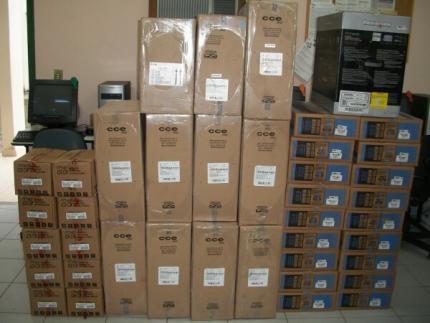 Escolas estaduais recebem equipamentos de informática