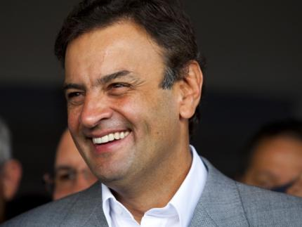 Aécio Neves traz apoio a candidatos em Santa Catarina