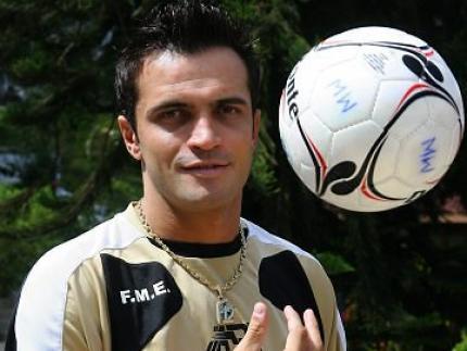 Falcão confirma proposta para voltar a Jaraguá em 2013