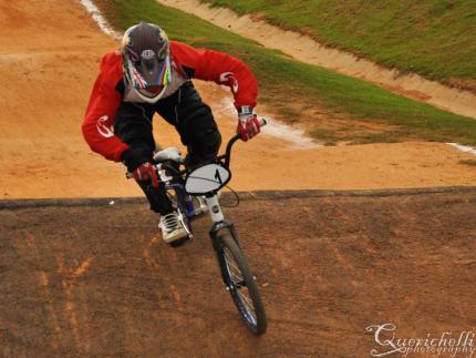 Felippi Gonçalves é bicampeão de BMX da Olesc