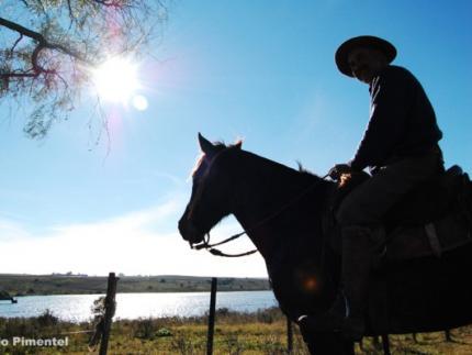 Jaraguá AM faz homenagem no Dia do Gaúcho