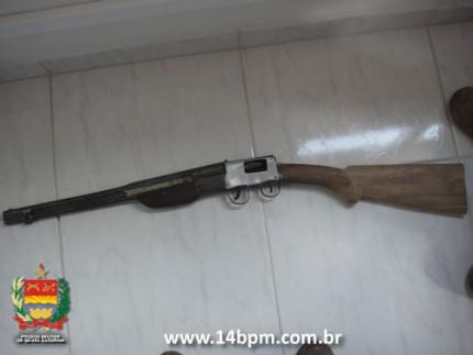 Policiais encontram arma artesanal em bar de Guaramirim