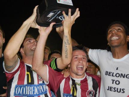 Juventus aplica 3 a 0 no Guarani e é campeão do returno do Estadual