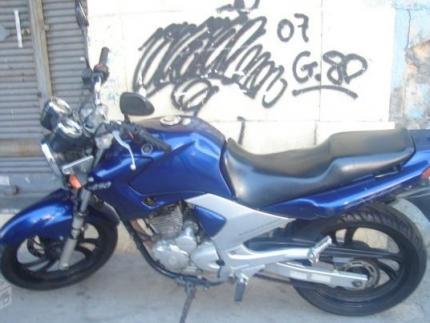 Ladrões assaltam oficina de motos na Barra