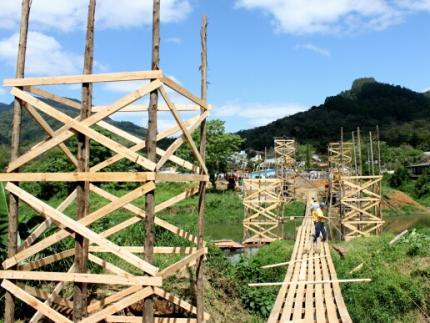 Seguem obras da ponte entre Rio Molha e Jaraguá Esquerdo