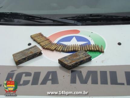 Trabalhador rural encontra munições em Schroeder