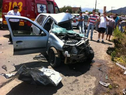 Motorista fica gravemente ferido em acidente no Vieira