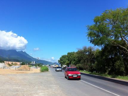 Obras na BR-280 deixam trânsito lento em Guaramirim