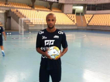 Ala Renatinho reforça o elenco da CSM Futsal para atual temporada